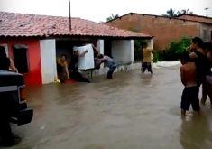 Foram mais de 100 mm de chuva em menos de quatro horas em Granja (FOTO: Reprodução)