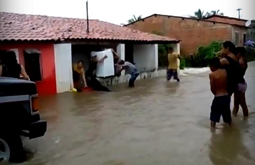 Primeira cidade cearense a atingir 1.000 mm de chuva em 2017 sofre com alagamentos