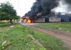 Ataques a ônibus iniciaram nesta quarta-feira (FOTO: Reprodução/Whatsapp)