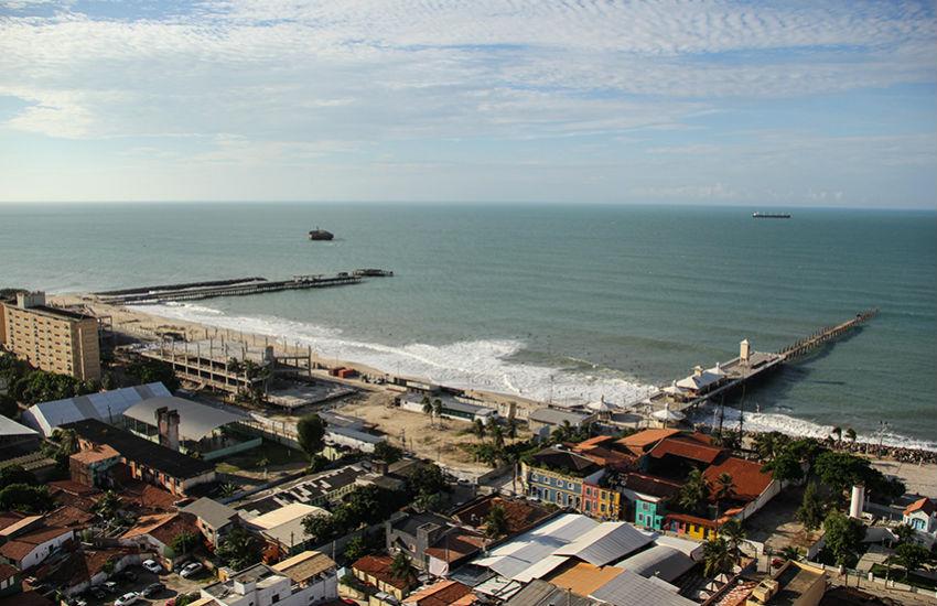 """Litoral de Fortaleza ficar quase todo poluído é uma """"vergonha"""", critica indústria do turismo"""