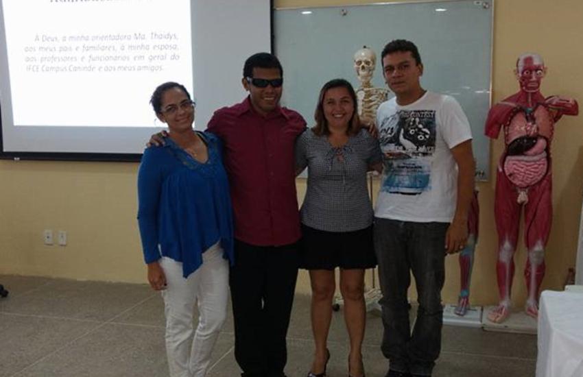 Estudante cego conquista diploma de graduação em Educação Física em Canindé