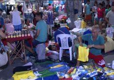 Feirantes da rua José Avelino deveriam realizar a última feira até a manhã deste domingo. (Foto: Reprodução/TV Jangadeiro)