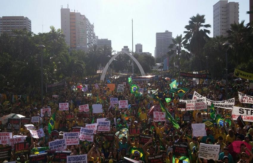 Grupo que liderou movimento anti-Dilma cancela protesto para não chocar com ato das esquerdas