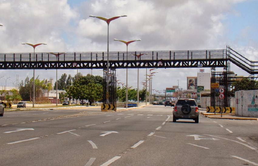 Obras de 5 passarelas em rodovias estaduais em Fortaleza aguardam conclusão
