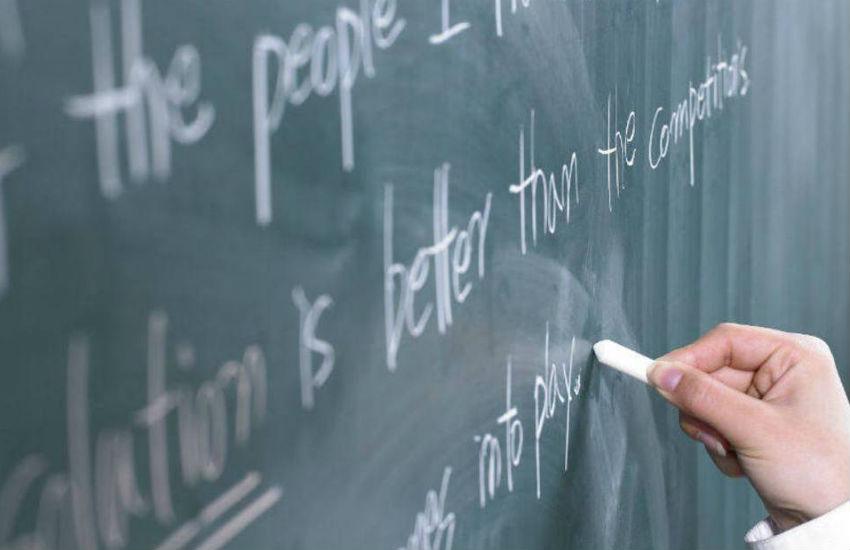 Professor cearense lança coletânea em inglês para ajudar alunos que participam de Olimpíadas