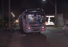 O assalto aconteceu na linha Antonio Bezerra Messejana/Perimetral (FOTO: Reprodução/TV Jangadeiro)