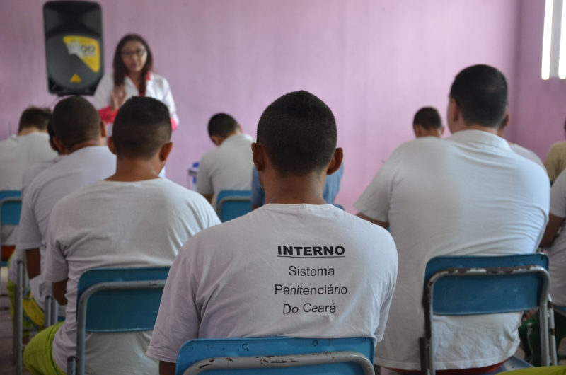Oito presos em cadeias cearenses conseguem bolsas em faculdades particulares