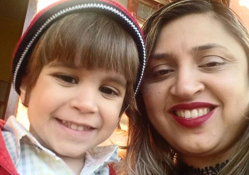 Família de criança com câncer raro faz rifa para manter tratamento até a doação de medula