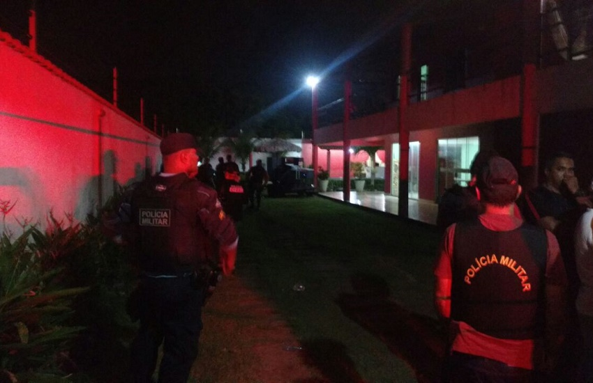 Chacina em mansão da praia do Porto das Dunas deixa seis mortos