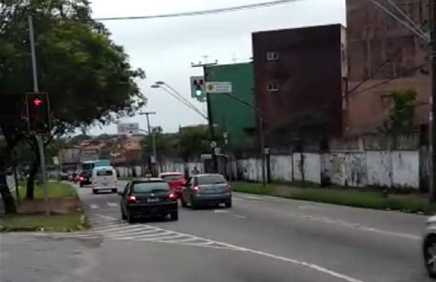 Motoristas gravam vídeos para reclamar de novas marcações de trânsito; AMC rebate as críticas