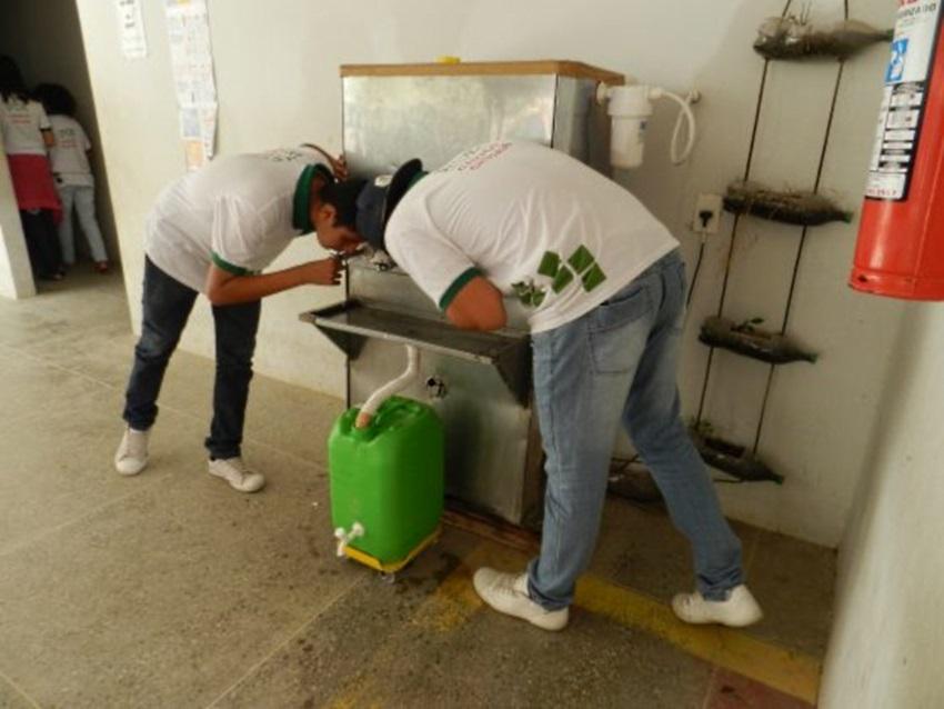 Projeto que reutiliza água desperdiçada em bebedouros recebe duas premiações