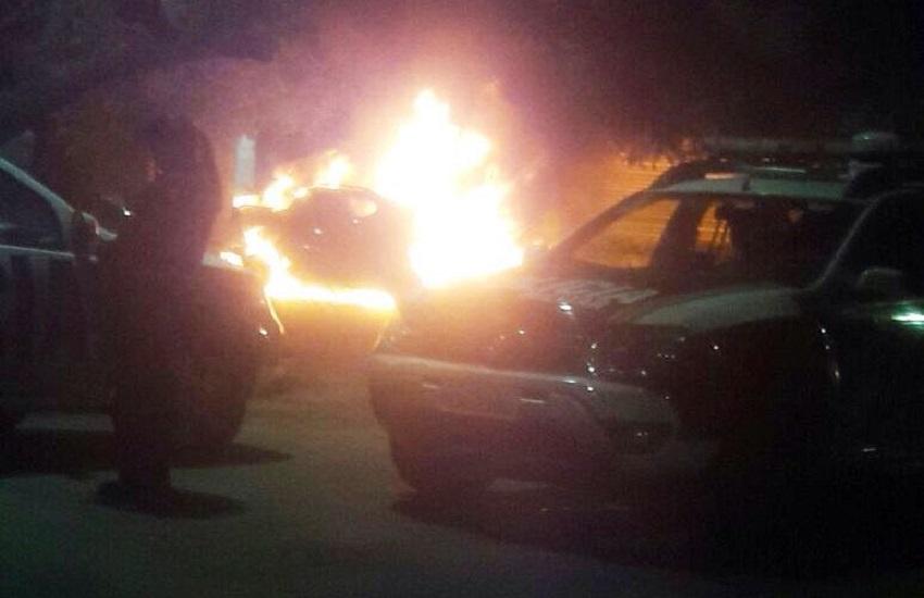 Campanha arrecada dinheiro para policial que teve carro incendiado em ataque a delegacia