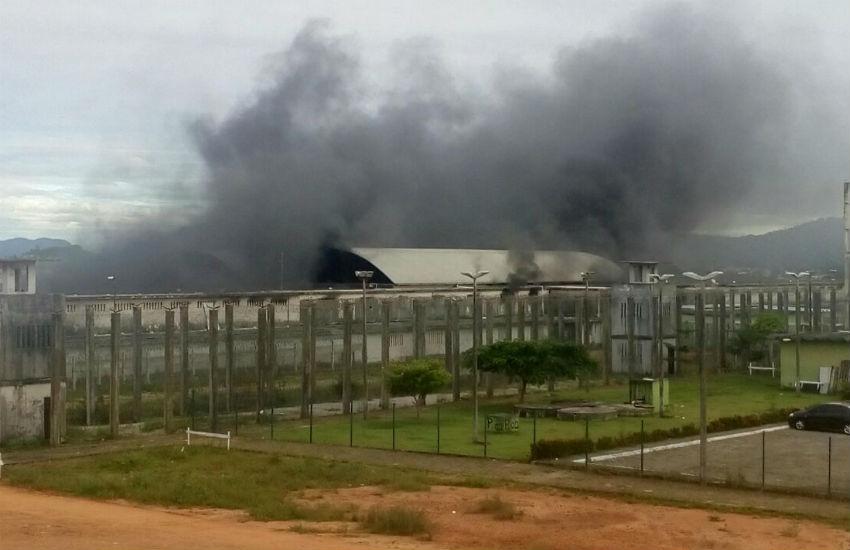 """Detentos da CPPL 3 reclamam de humilhações no presídio: """"Eles mijaram na gente"""""""