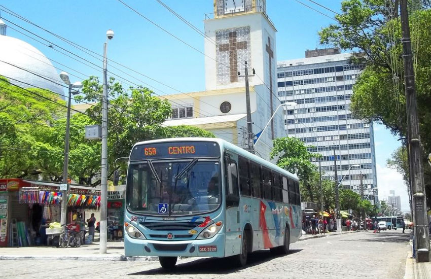 Ruas do Centro são interditadas e linhas de ônibus têm itinerários alterados. Saiba quais