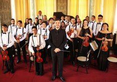 Leonardo Ferreira divulga os caprichos da música enquanto integrante da Orquestra de Câmara Heitor Villa-Lobos, um projeto do maestro Leonardo Sidney que abriga estudantes de música (FOTO: Portal Estilo em Pauta)