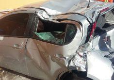 O carro de Lorenna invadiu os Correios (FOTO: Reprodução Whatsapp)