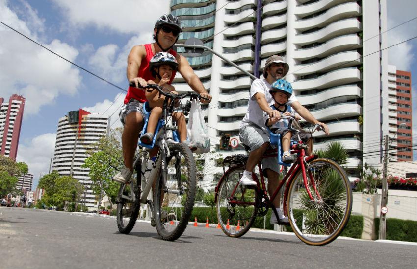 Ciclofaixa de Lazer realiza três rotas em direção à Praça Luíza Távora