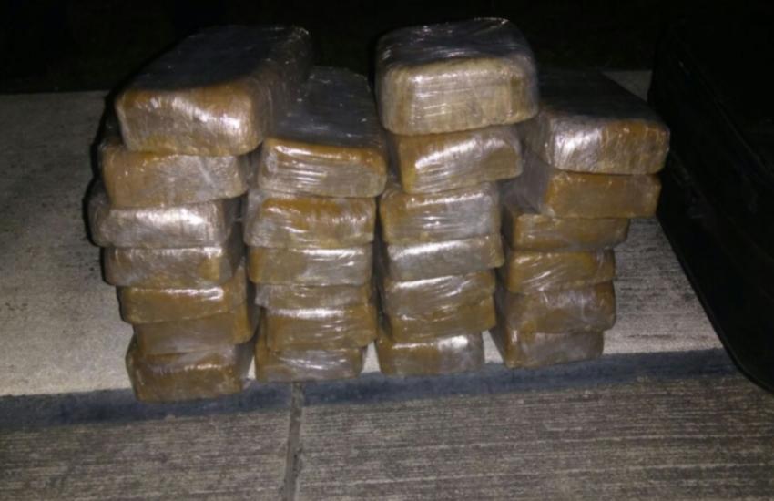 Avião é apreendido com cocaína em Camocim