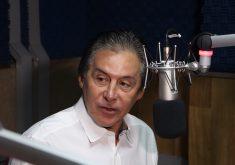 Senador Eunício Oliveira concedeu entrevista à rádio Tribuna BandNews FM. (Foto: Adriano Paiva/Tribuna do Ceará)