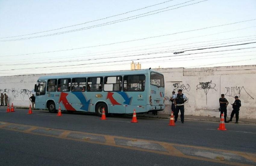 Número de roubos a ônibus em julho cai mais que a metade em comparaçãoa maio