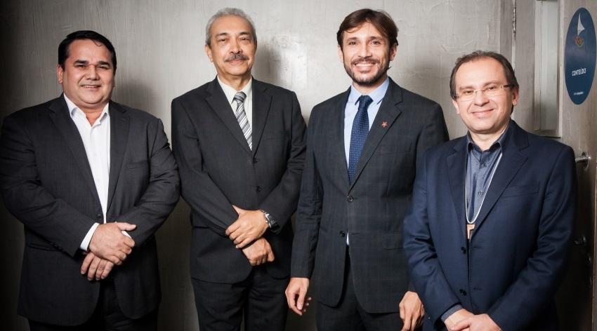 #Conjunturas: Anúncio de Ciro Gomes sobre possível aliança com Eunício repercute entre parlamentares