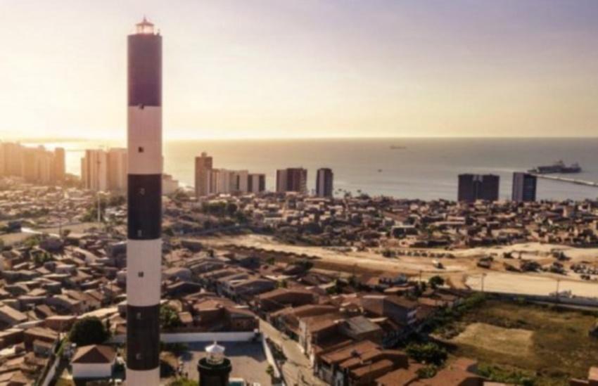 Luz do novo farol de Fortaleza pode ser vista a 80 km mar adentro