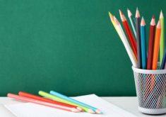 lapis-coloridos-para-pintar-no-caderno_1098-3262