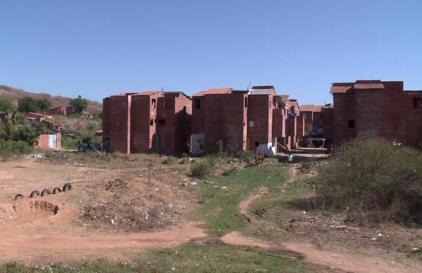 """Polícia encontra apartamento que seria usado como """"Tribunal da Morte"""" por facção"""