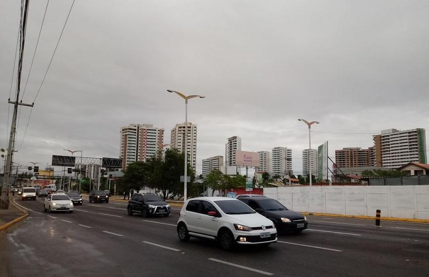 Volta a chover em Fortaleza depois de 1 mês e meio. Mas foi pouco, só 7mm