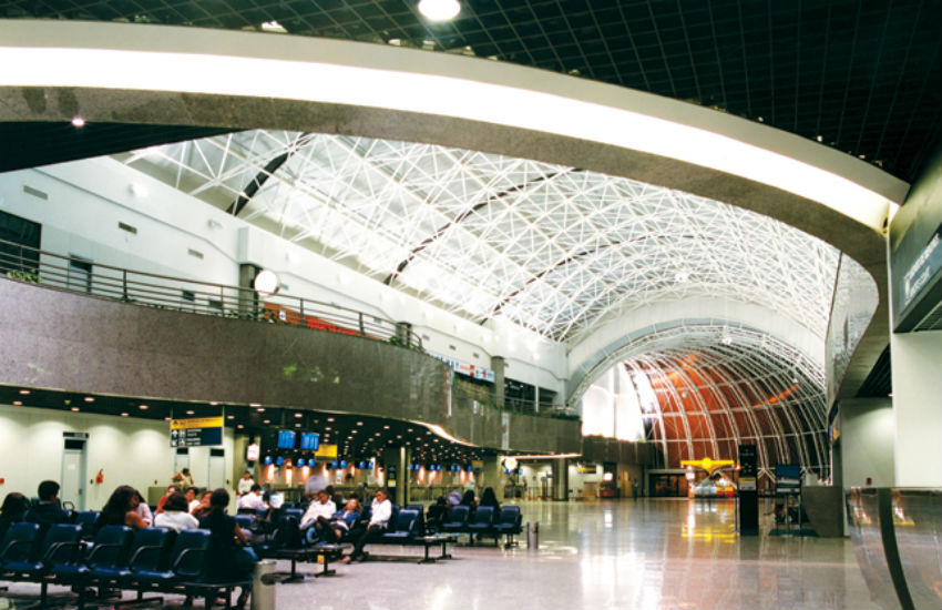 Passageiros cearenses devem ficar atentos aos voos com o início do horário de verão