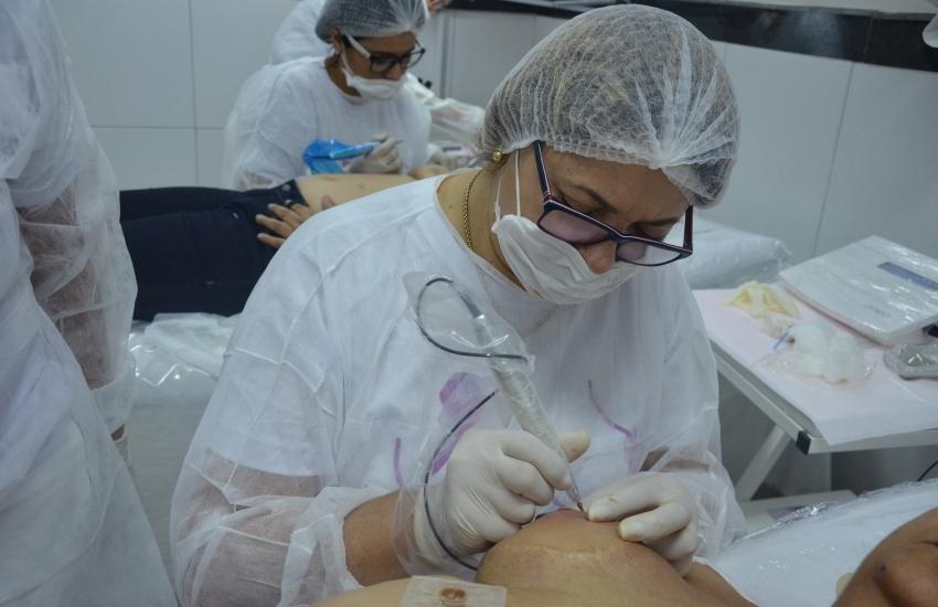 Mulheres vítimas de câncer podem receber micropigmentação gratuita na mama