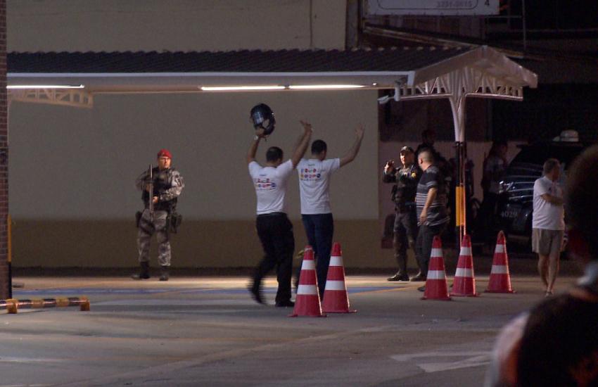 Assaltantes invadem supermercado e fazem funcionários de reféns na Aldeota