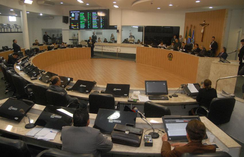 Vereador propõe lei que limita número pessoas em pé em transporte público de Fortaleza