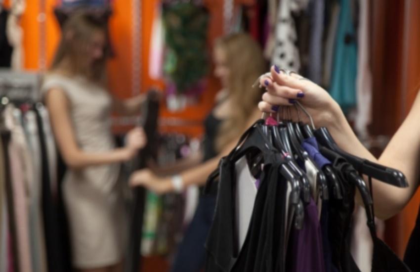 Aumento de custos e insegurança: veja os desafios da mudança do horário comercial em Fortaleza