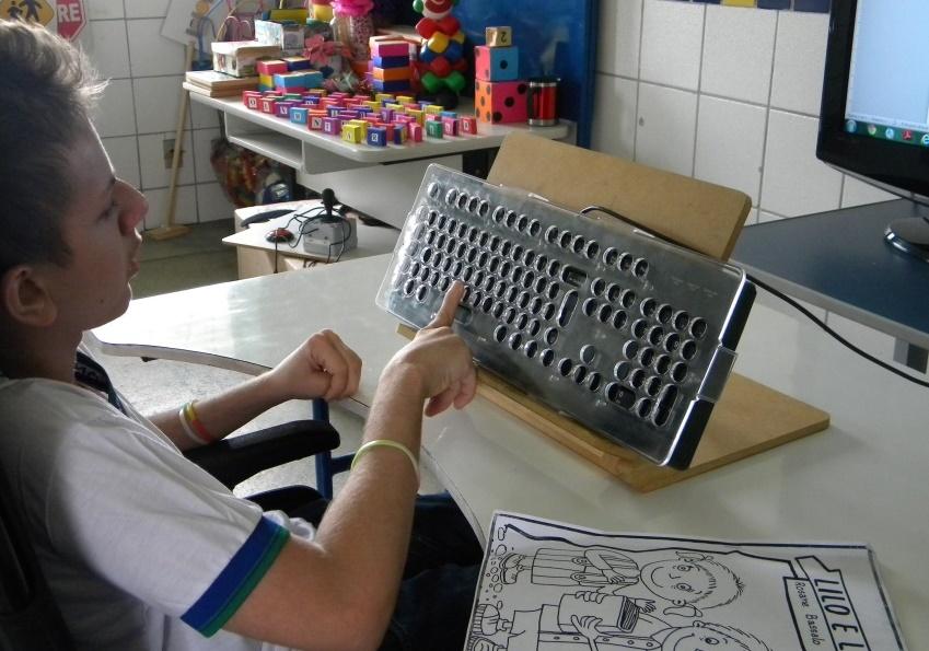 Escola pública de Maracanaú é referência nacional por trabalho de inclusão de pessoas com deficiências