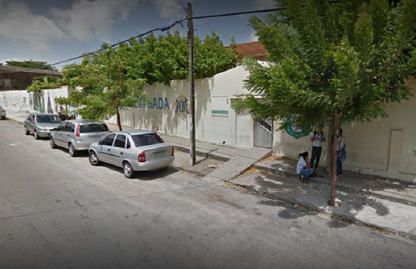 Estudante é baleado quando saía de escola em Fortaleza