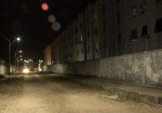 Os homens foram sequestrados no condomínio e levados para serem assassinados (FOTO: Reprodução/TV Jangadeiro)