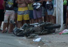 A moto ficou destruída (FOTO: Reprodução/TV Jangadeiro)