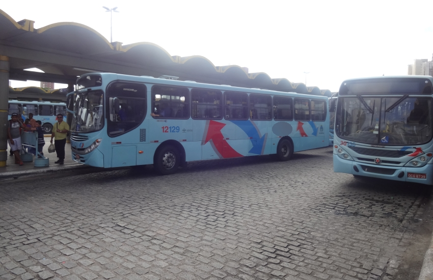 Homem ejacula em mulheres dentro de ônibus em Fortaleza