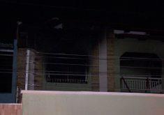 O incêndio criminoso aconteceu no Bairro Maraponga (FOTO: Reprodução/TV Jangadeiro/SBT)
