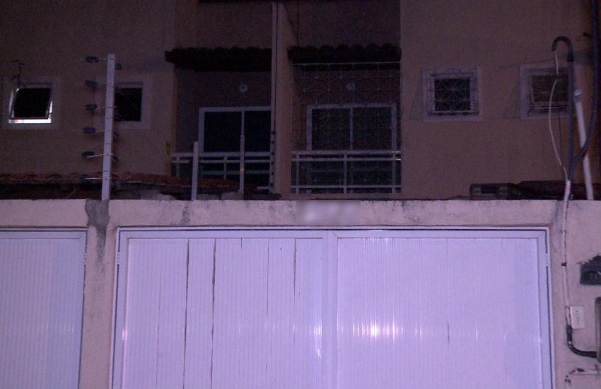 Assaltantes invadem residência em Fortaleza e roubam até fogão