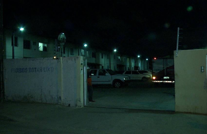 Grupo fortemente armado invade condomínio de Fortaleza e executa 2 homens