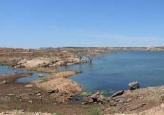 A situação crítica do açude preocupa produtores da região (FOTO: Arquivo/Tribuna do Ceará)