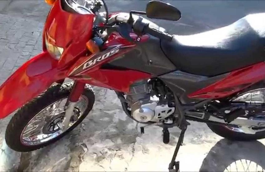 Ladrão rouba moto para ir à festa e devolve ao dono com bilhete de agradecimento