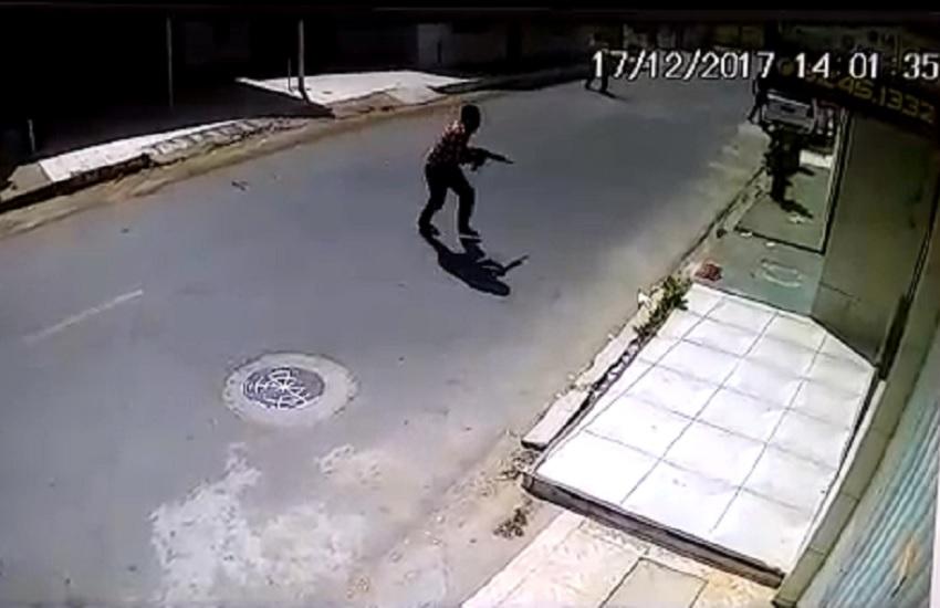Bandidos metralham residência de agentes penitenciários em Fortaleza