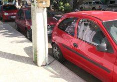 O caso inusitado chama atenção de quem passa pela rua (FOTO: Reprodução/TV Jangadeiro)