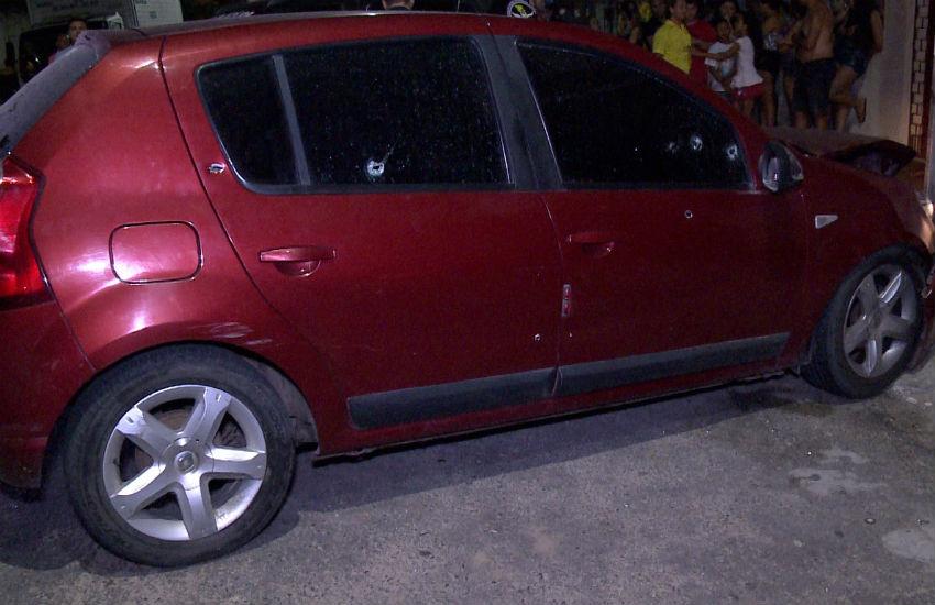 Homem é executado com mais de 30 tiros dentro de carro em Fortaleza