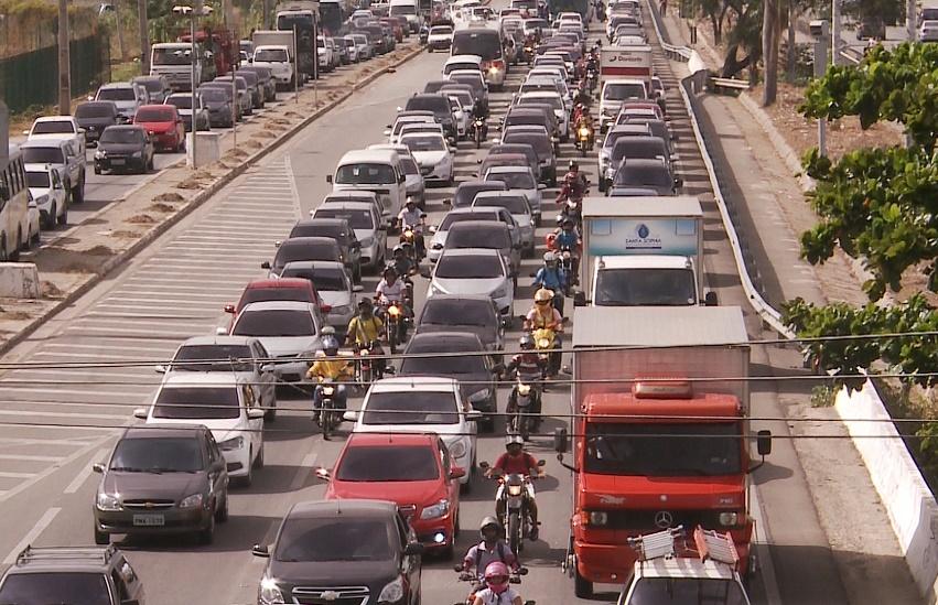 Fortalezense gasta 68% a mais de tempo no trânsito em horários de pico