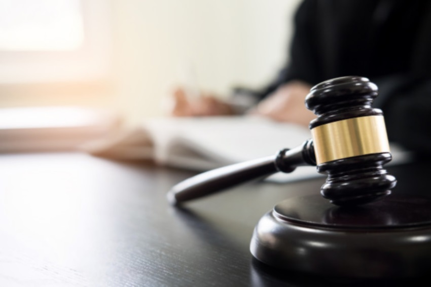 OAB-CE emite nota de repúdio a juiz por desqualificar o trabalho de advogada