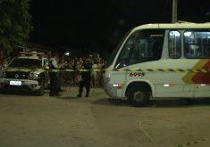 O homem foi morto dentro do ônibus (FOTO: Reprodução/TV Jangadeiro)